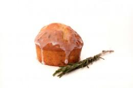 Muffins mit Orangen und Rosmarin